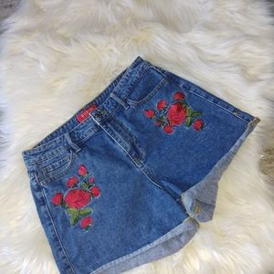 Guess Rose Shorts size 28